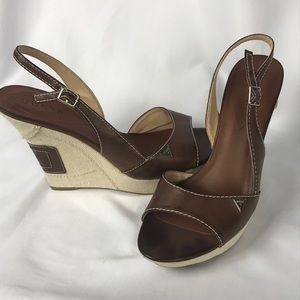 Guess wedge brown leather size 9.5